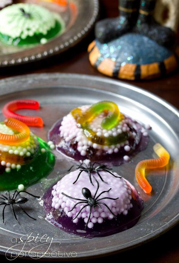 Halloween Jello Spider Treat   ASpicyPerspective.com #Halloween #KidFriendly #Jello