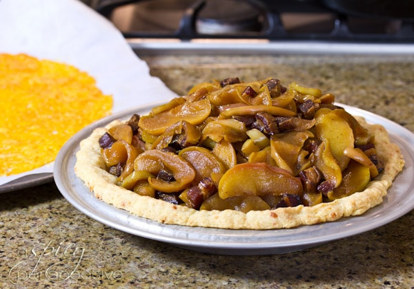Savory Apple Bacon Pie with Cheddar Crust | ASpicyPerspective.com #recipe #applepie #holiday